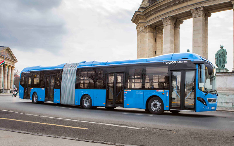 Volvo 7900A hibrid busz Budapesten